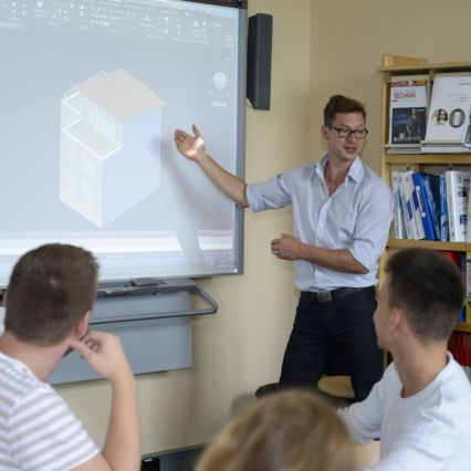 Technische Systemplaner/-innen für Versorgungs- und Ausrüstungstechnik an der Max-Taut-Schule